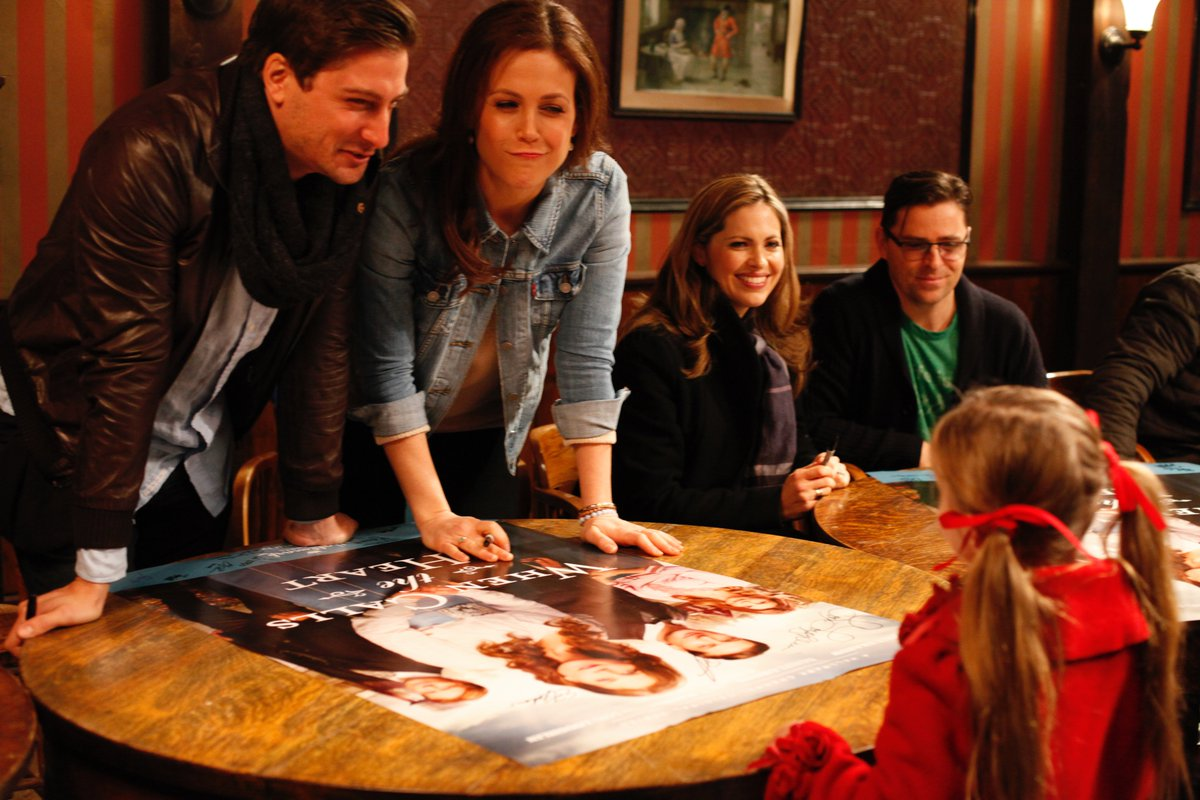 @DLissing & @erinkrakow meet an adorable fan at #HeartiesFamilyReunion. #Hearties @WCTH_TV @WCTHseries https://t.co/jhwXup0yH9