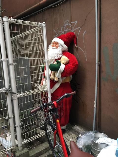 ナツゲーさんの通りにこんなのが放置されててびびったw https://t.co/dSPdjudOma