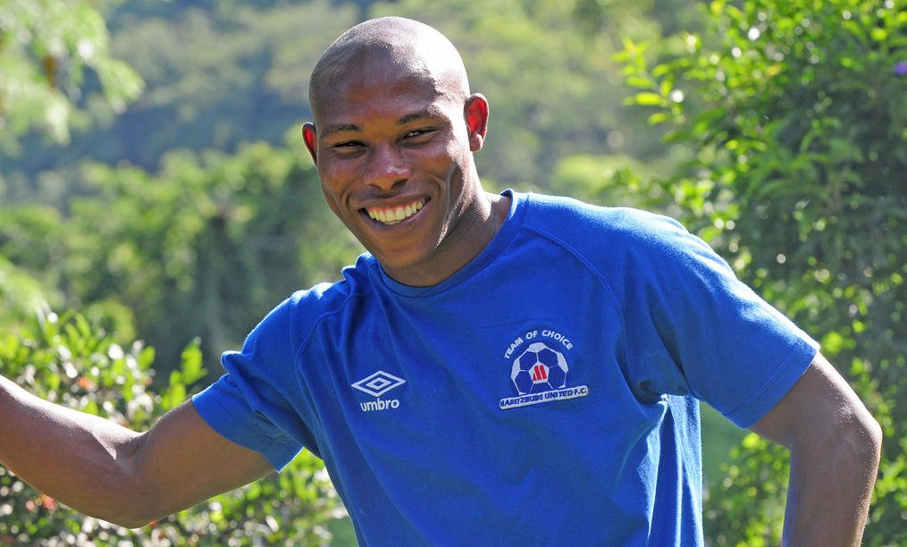 Mondli Cele has been the player confirmed to have died during the accident this morning.  #MaritburgUnitedPlayerDies https://t.co/H98W8PBcSt