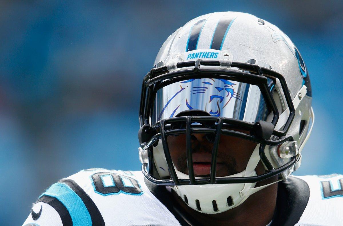 Panthers LB Thomas Davis' visor is