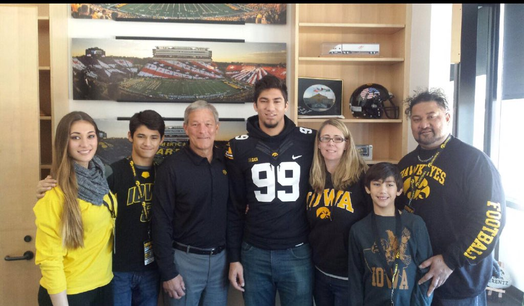 One of the Top Players in the Class of 2017, AJ Epensesa, is an Iowa Hawkeye! https://t.co/9OutM5vTyH