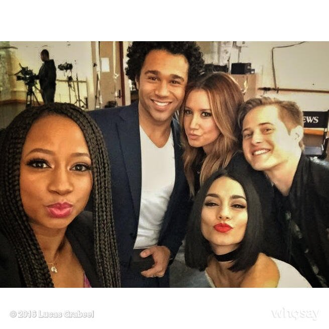#Wildcats in the house! So much #Love. @_moniquecoleman @corbinbleu @ashleytisdale @VanessaHudgens #10years https://t.co/8c9lTqAXGf