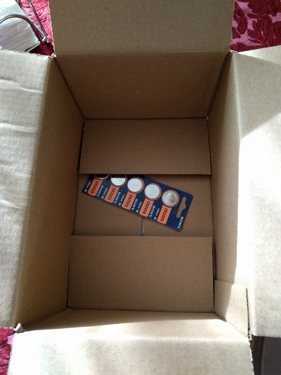 Trevor battle on twitter amazon sent me an empty box today oh trevor battle on twitter amazon sent me an empty box today oh wait peekaboo httpstkvtau47ce9 sciox Gallery