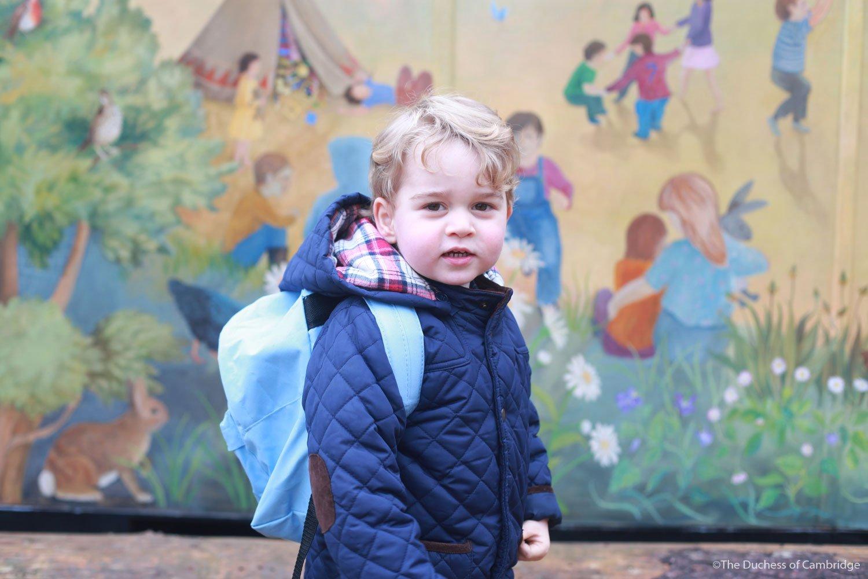 Książę George po raz pierwszy w przedszkolu!