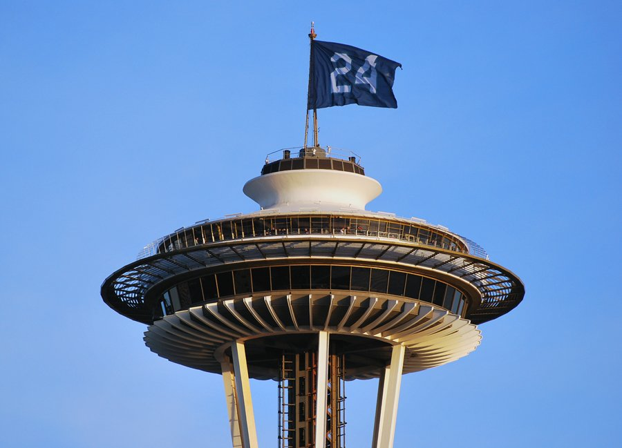 24 flying high above the Space Needle for Ken Griffey, Jr.'s election into the @BaseballHall. #Seattle #Mariners https://t.co/x246cACCiV