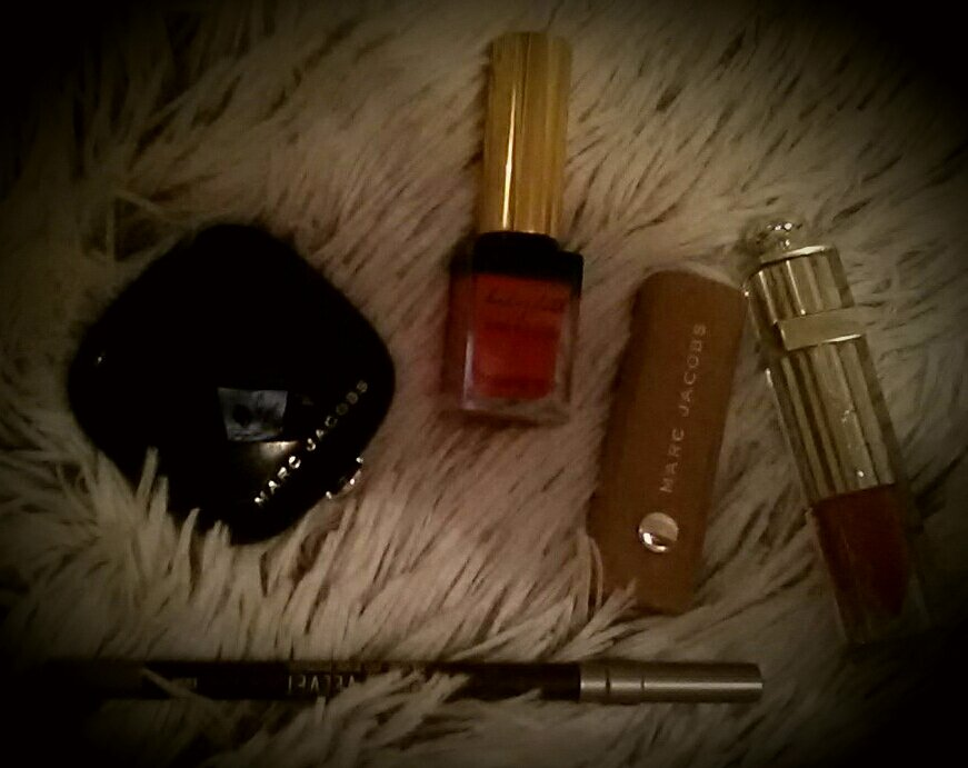 My new best friends  #soldes #SoldesHiver2016 #YSL #Dior #marcjacobs #urbandecay #Sephora #lipstick #beautyblogger<br>http://pic.twitter.com/z12MC3kbTw