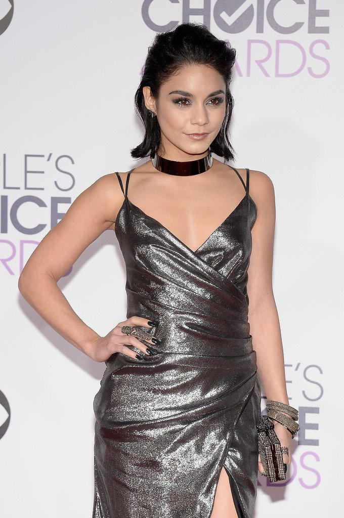 Vanessa Hudgens Wore A Kayat Resort  Silver Lame Gathered Gown To The Peopleschoiceawards