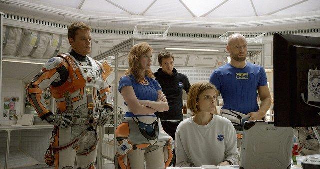 マークの仲間の宇宙飛行士たち