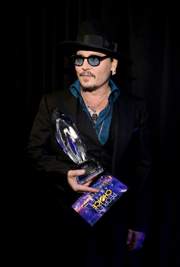 Parabéns Johnny! #PeoplesChoiceAwards https://t.co/iKUZONesmA
