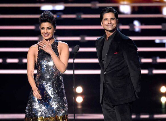 Well deserved congrats to sadi Punjabi kuri @priyankachopra for winning #PeoplesChoiceAwards #Quantico https://t.co/B0xIHbZWPG