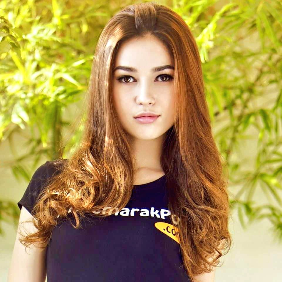 Sexy cambodian women