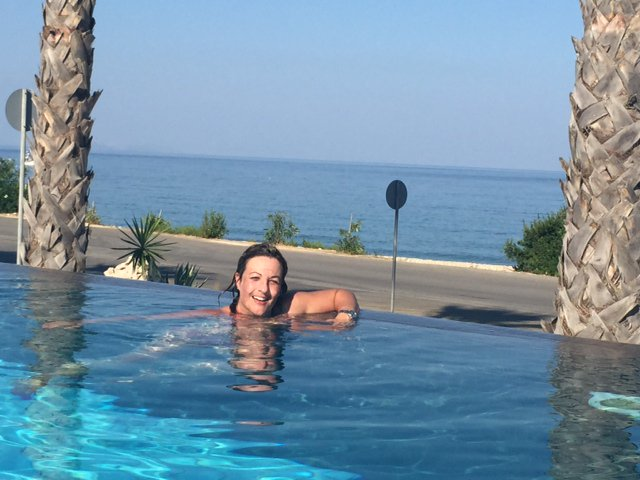 """""""It's just wonderful to listen to the sounds of the ocean."""" - Anna Lyford on her new #WaterWear BTE #cochlearimplant https://t.co/BLZMCxgj1N"""