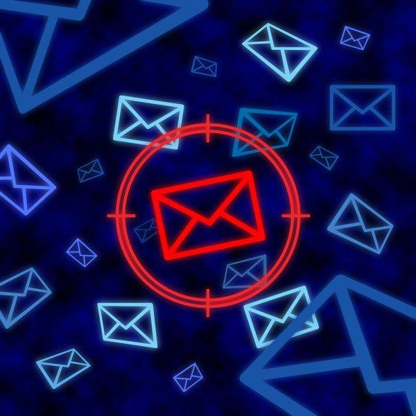 New malware attack targets WhatsApp users https://t.co/7RCUaHJDAc https://t.co/wRVoUV44pG