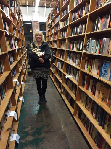 Shout-out to #Fulbright Student from the Netherlands @JairiTerpstra who spent a full day over the holidays @Powells! https://t.co/0m5WS8P0i0