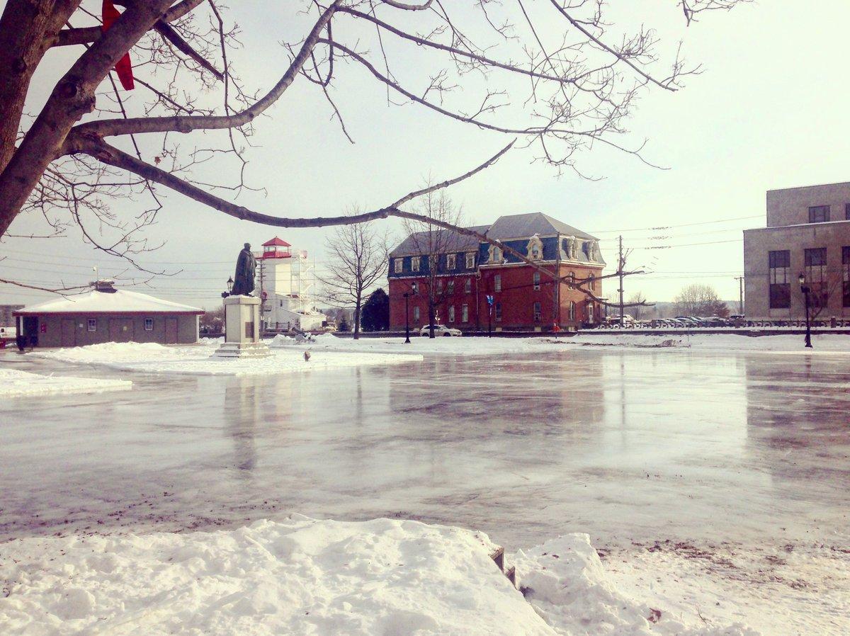 Get your skates sharpened... #comingsoon #skatinginthesquare #loveyourdowntown https://t.co/fjMF8EPbsJ