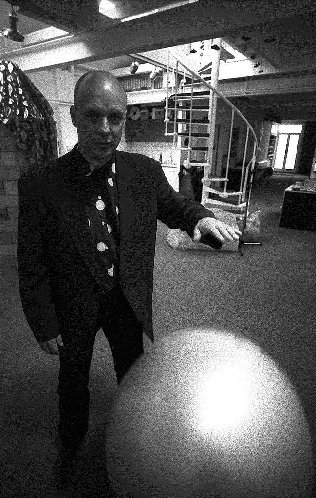 Brian Eno, sahabat sekaligus rekan bermusik David Bowie © Twitter.com/David Bowie