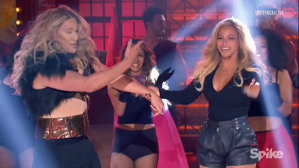 "You've gotta see @Beyonce's epic ""Lip Sync Battle"" cameo! https://t.co/vWU6gI4Imn https://t.co/oHgNEualVy"