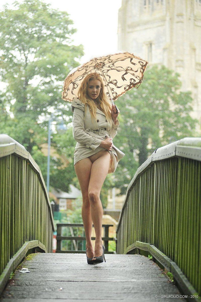 pussy-in-the-rain-matture-women-having-interracial-sex