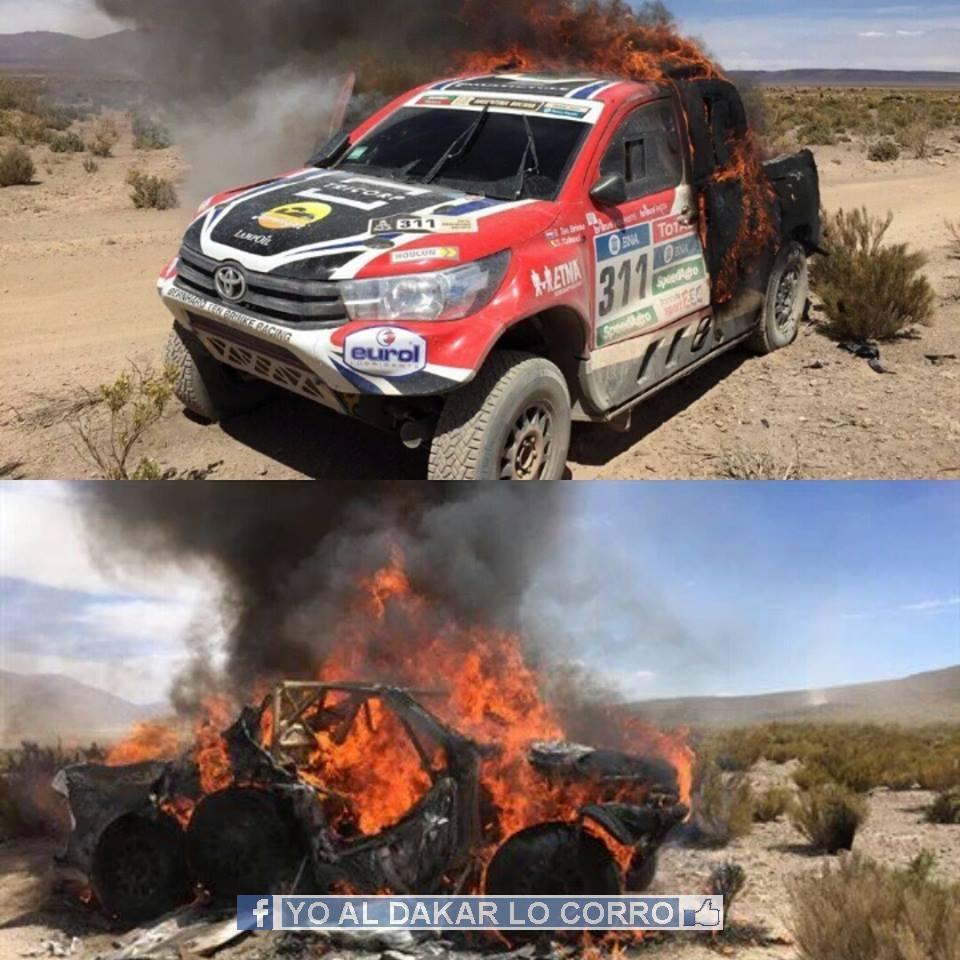 Se terminó el @dakar para el del ganador del Prólogo La Toyota Hilux del holandés Ten Brinke en llamas. Foto Ramirez https://t.co/sDTA0NfGhP
