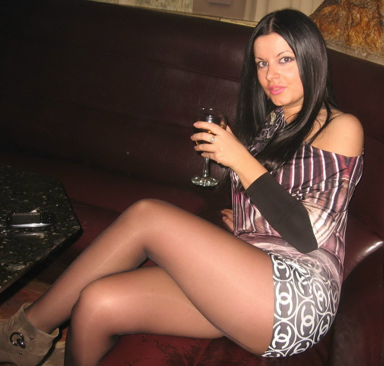 "Amateur Pantyhose on Twitter: ""Curvy gal in a minidress ..."