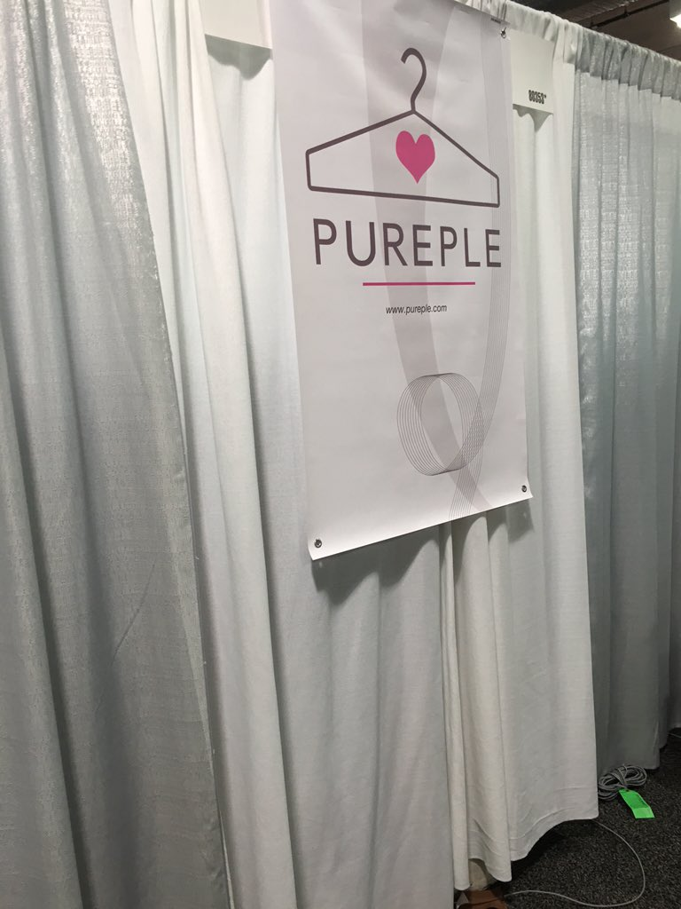 Nobody at the booth and no explanation. Oh my god https://t.co/9v74Y3s5wY