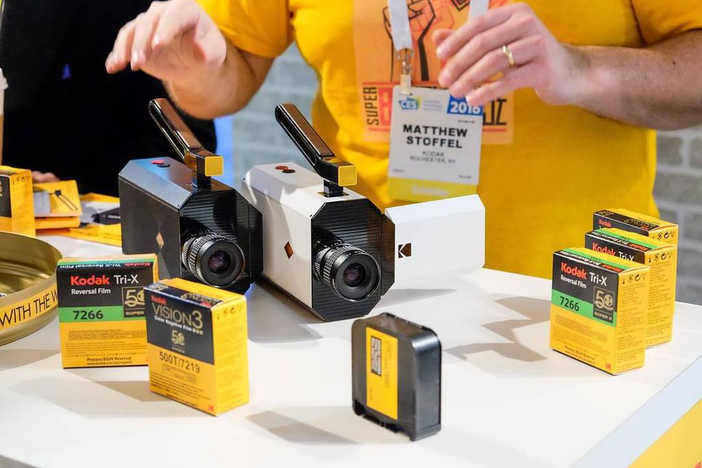 @kodak's Super 8 camera with a modern day twist- a digital viewfinder and digital audio ca… https://t.co/SgXIbs3qBT https://t.co/n5danXS3tB