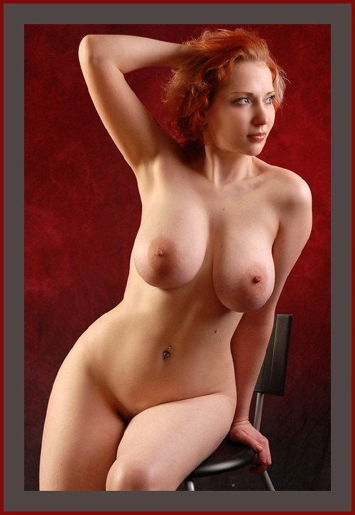 Short curvy body nude — photo 1
