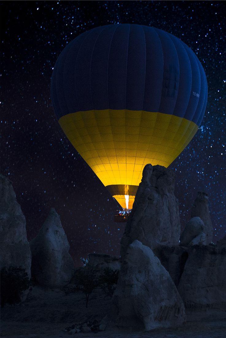 """""""@seeturkeycom: #Cappadocia / Kapadokya https://t.co/pujWXfUxJw""""//Buenas noches"""