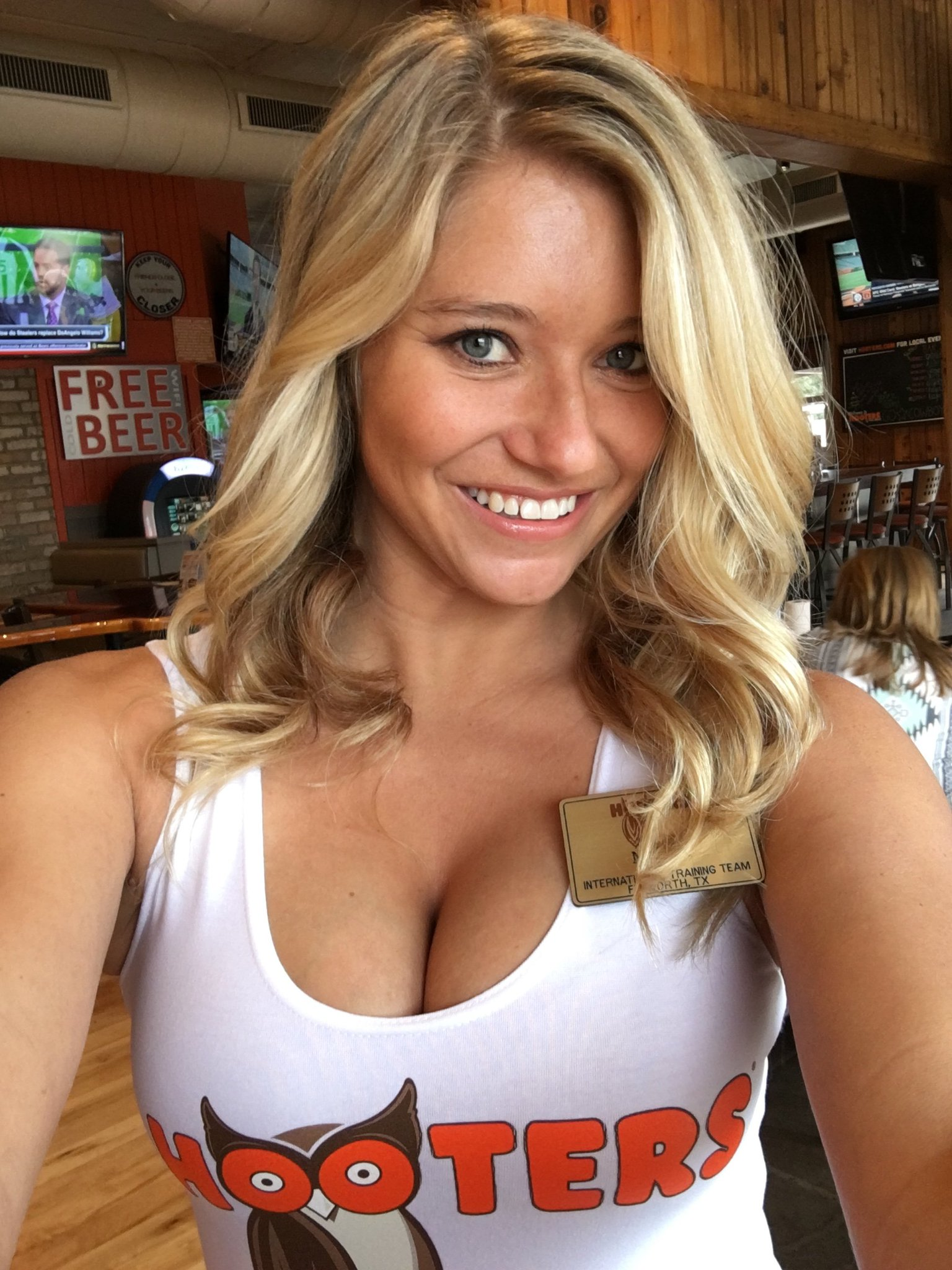 sexy busty babes of hooters nude