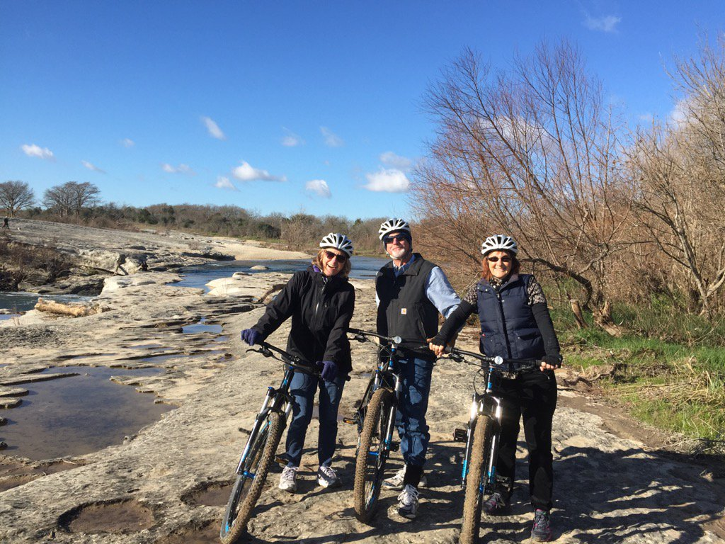 Our first mountain bike tour is in progress!  #mountainbikes #nature #biketour #cycling #atx #bici https://t.co/uyCcJcb2PZ