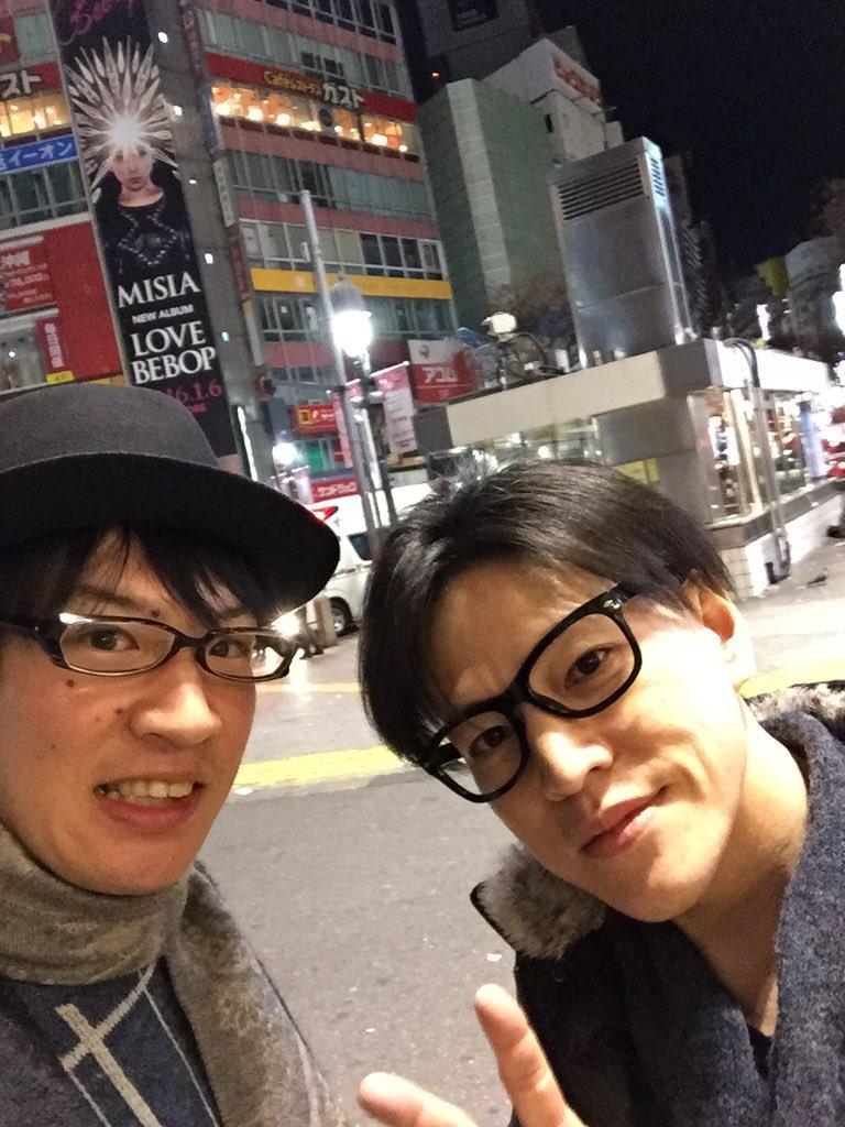 ワンピース歌舞伎で共演した仲間と飲みに行って来ました( ̄▽ ̄) 青雉クザンこと、市瀬秀和( @1_ichihide  )さんと!実は市瀬さんは、僕が初めて吹き替えを担当させて頂いた方でもあるのですo(^▽^)o https://t.co/NuA42SLcTV