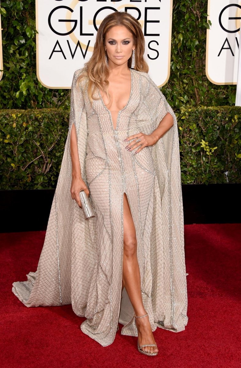 Tomorrow @JLo will present at @goldenglobes !! Get ready !! https://t.co/jUfOQq9wAV
