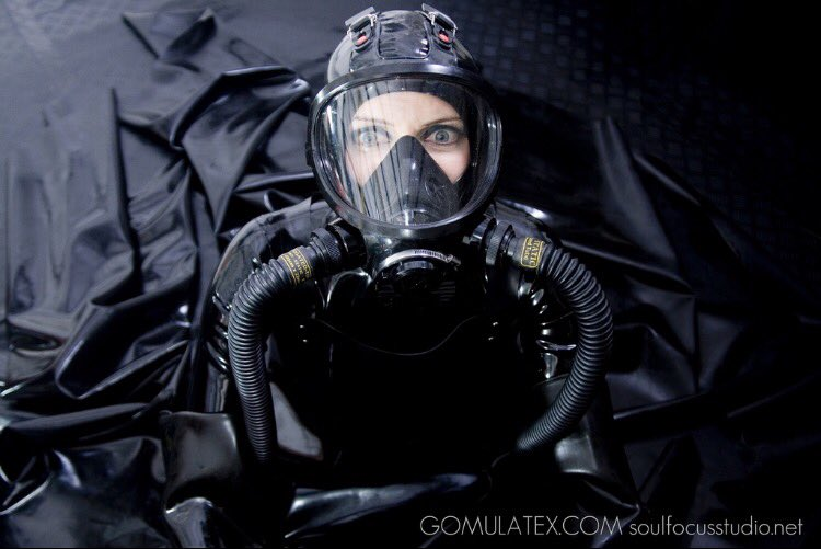 Latex Diver (2k) on Twitter: Someone say dive trip!?! #