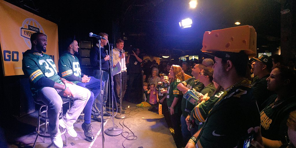 Pep rally time in Washington D.C.! #GoPackGo https://t.co/coH4gO5fd3