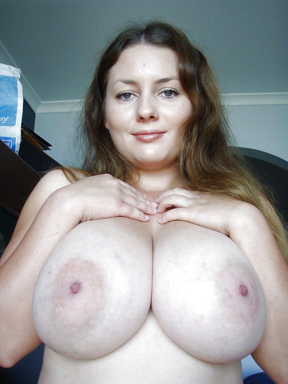 ogromnaya-grud-domashnee-video-video-ya-masturbiruyu