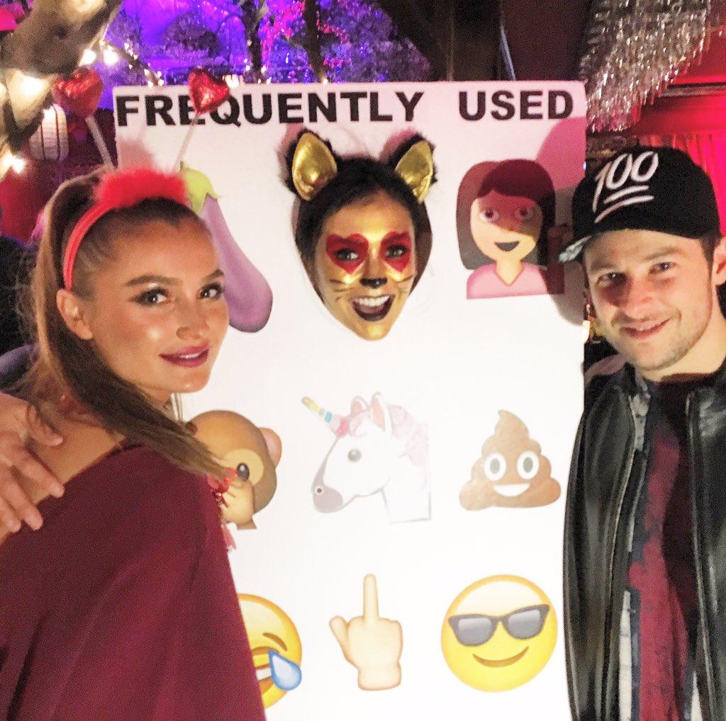 Happy birthday @ninadobrev !! #LA #EmojiMode. https://t.co/7bKzytUIak