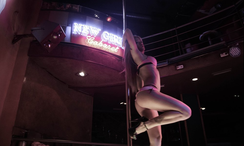 I Went To The Strip Club And Took Home A Big Booty Stripper To Fuck