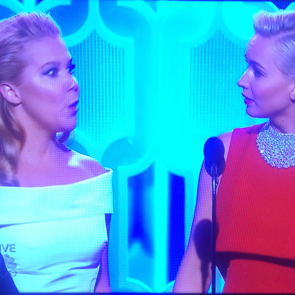 When can Jennifer Lawrence and @amyschumer co-host the #GoldenGlobes? https://t.co/IsUW5MBvBM
