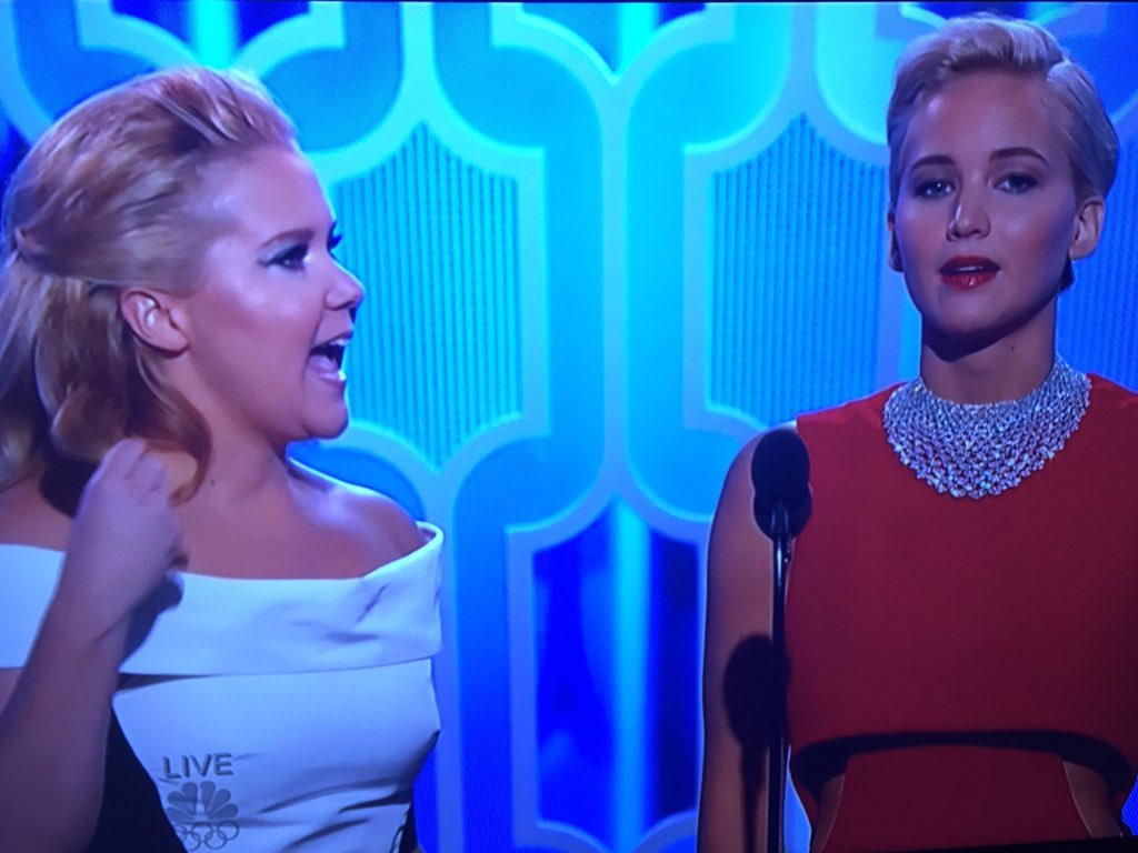 Magic 💫✨ J. Law and A. Schu @amyschumer #GoldenGlobes https://t.co/bPbEYTZ2mS