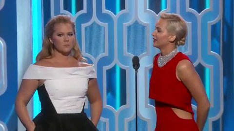 goldenglobes : Jennifer Lawrence and amyschumer. #BFFS #GoldenGlobes … https://t.co/LNUipdLvLa) https://t.co/yUKzV5pW31