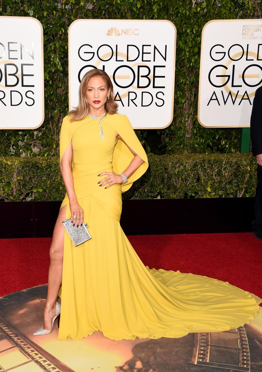 That @JLo glow though. Resplendent in her yellow @GiambattistaPR gown! #GoldenGlobes https://t.co/bPOXsby7DE
