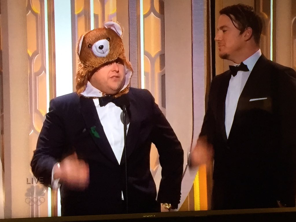 The bear from The Revenant takes the stage! #starstruck #GoldenGlobes https://t.co/mGRn2ivonx
