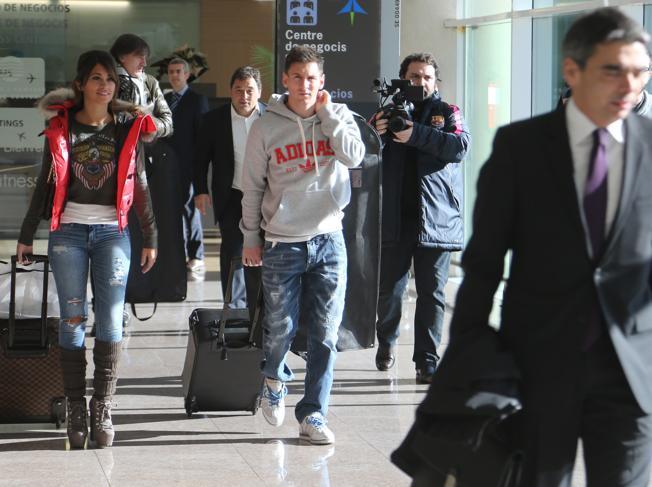 Filma il passaporto di Messi e lo pubblica su SnapChat, rischia la prigione a Dubai