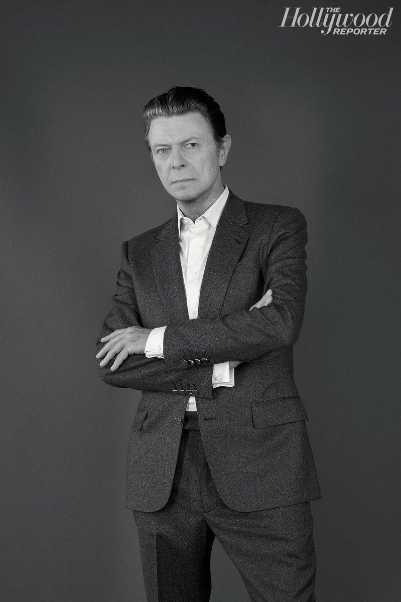 デヴィッド・ボウイ逝去(享年69)。癌だったそうです。ご冥福をお祈り致します。RT @THR: Legendary Artist David Bowie Dies at 69 https://t.co/enL58NN4ZN https://t.co/kQFFX2AbIq