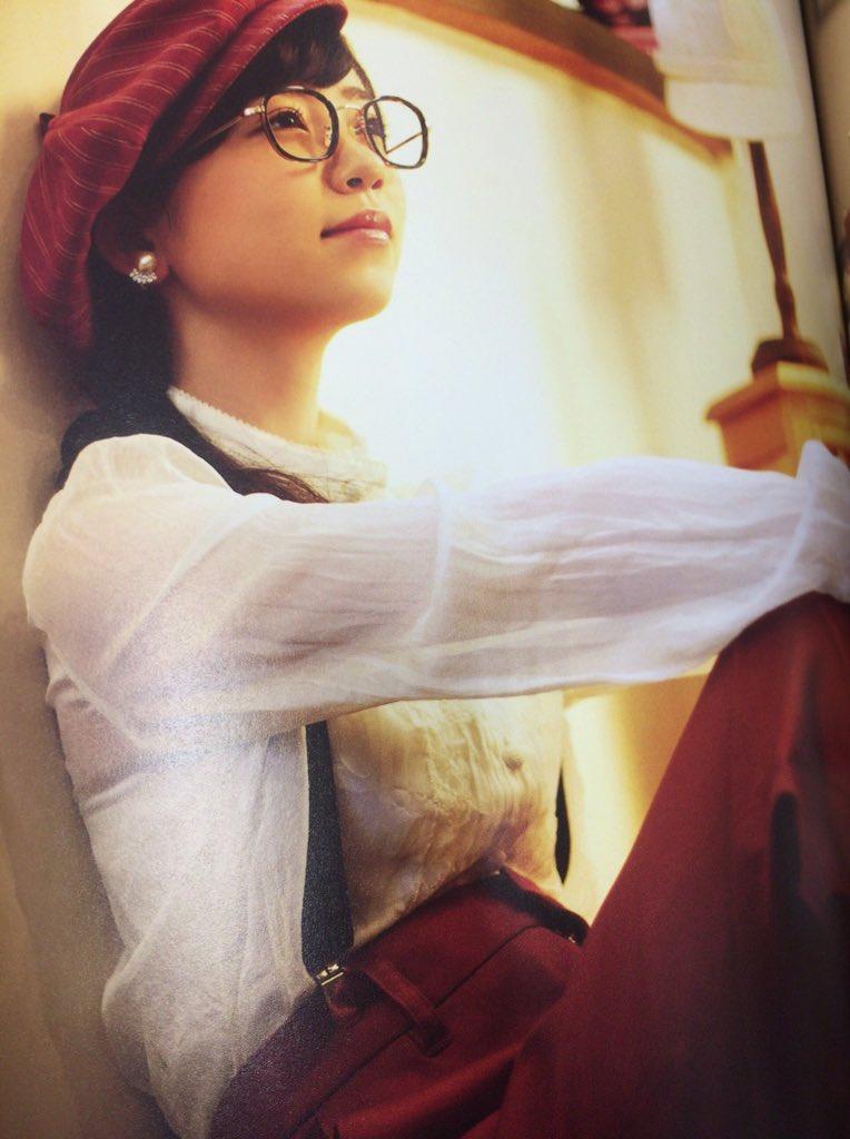 眼鏡をかけている柴田杏花