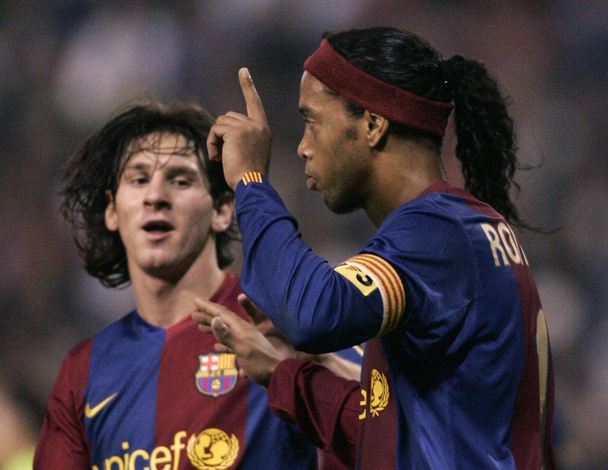 Josep Maria Bartomeu: 'Ronaldinho made us global. But Messi has made us universal.' #BallondOr