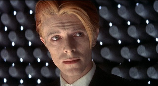 Thank you, David Bowie. Rest in peace. https://t.co/71ILVeWSAE