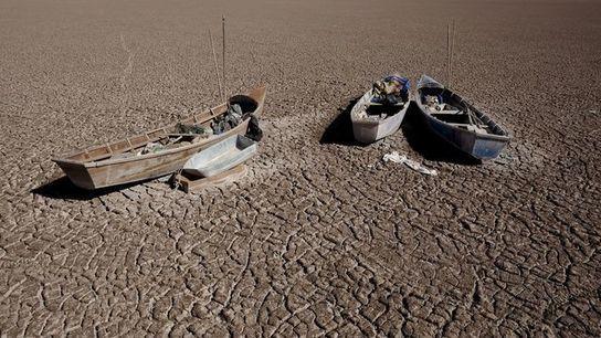 Le deuxième plus grand lac de Bolivie a disparu via @Pescalune https://t.co/ZpKoX6VQST https://t.co/Cy9qtHE8iw