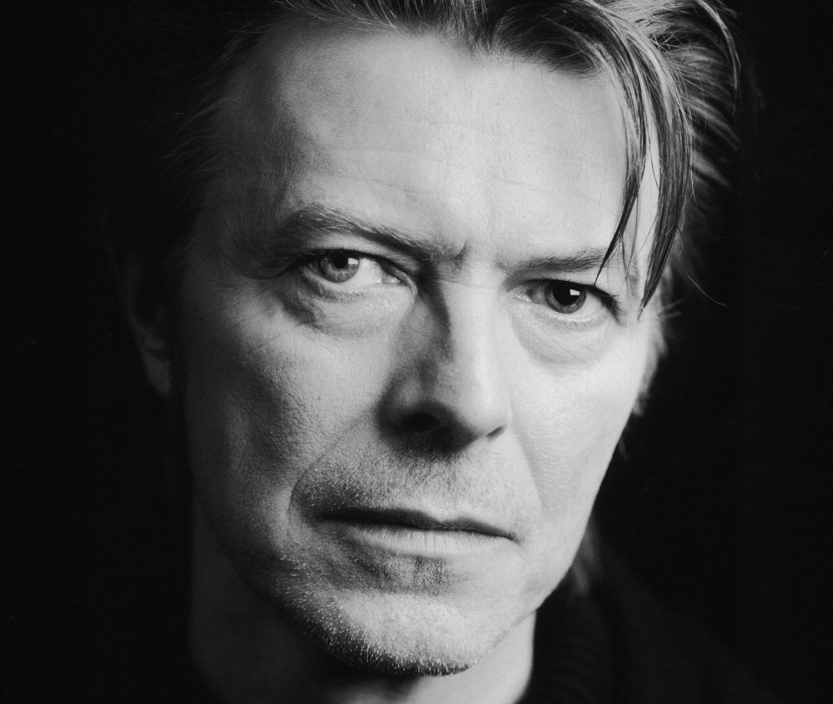 "David Bowie, you will be sorely missed.  Bowie's ""Changes"" and the Ziggy story songs were a major influence for me. https://t.co/N1nkD9h82W"