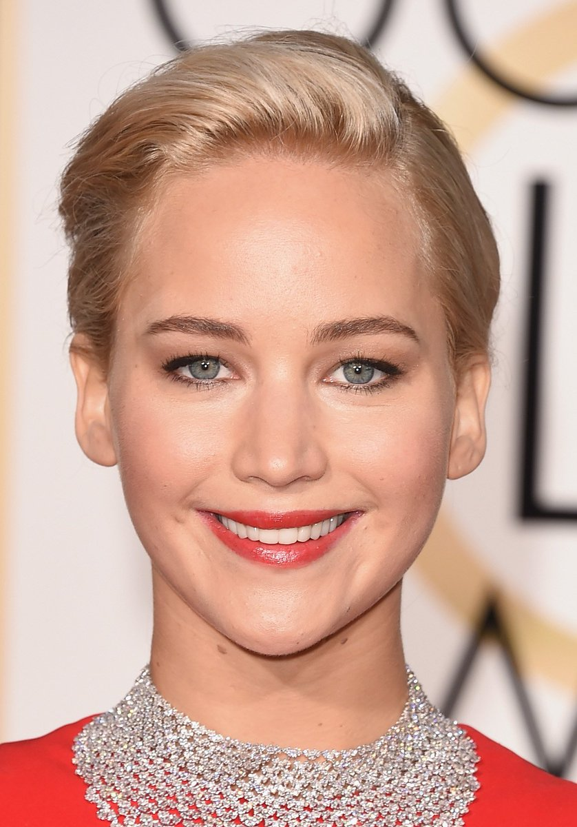 Jennifer Lawrence wore #Diorcouture with beauty by Dior at the 73rd Golden Globe Awards. #StarsinDior #GoldenGlobes